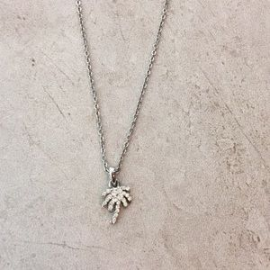 NWOT Cookie Lee Palm Tree Necklace